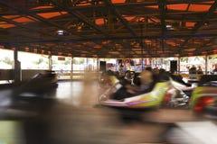 Запачканные движением автомобили бампера Стоковое Фото