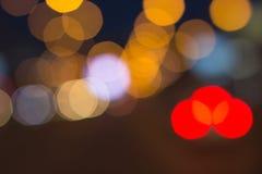 Запачканные света с bokeh производят эффект предпосылка, абстрактная нерезкость стоковое фото rf
