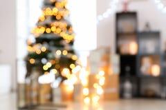 Запачканный взгляд интерьера рождества с красивым Стоковое Изображение RF