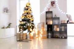 Запачканный взгляд интерьера рождества с красивым Стоковые Изображения