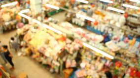 Запачканный рынок в chiangmai Таиланде рынка Varoroj сток-видео