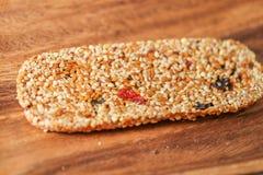 запирает сезам семян меда Стоковая Фотография
