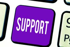 Запись примечания показывая поддержку Showcasing фото дела дает помощь помощи для того чтобы обслуживать профессиональную голевую стоковое фото rf