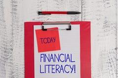 Запись примечания показывая финансовую грамотность Showcasing фото дела понимает и знающий о том, как деньги работают стоковое изображение