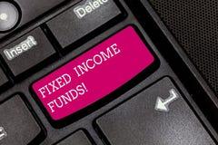 Запись примечания показывая фонды фиксированного дохода Фото дела showcasing любой тип вклада который заемщик для того чтобы сдел стоковые фото