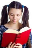 запишите чтение девушки Стоковое Фото