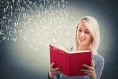 запишите чтение стоковая фотография rf