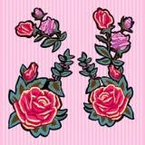 Заплаты тенденции вышивки флористические с красными и розовыми розами Стоковое фото RF