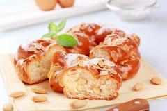 заплетенная помадка хлеба стоковое фото