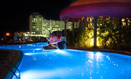 заплывание бассеина гостиницы роскошное стоковая фотография