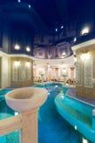 заплывание бассеина гостиницы Стоковое Фото