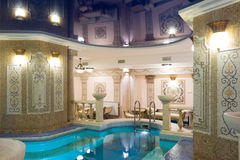 заплывание бассеина гостиницы Стоковые Фото