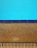 заплывание бассеина предпосылки Стоковое Изображение