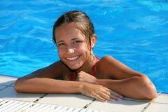 заплывание бассеина девушки Стоковое Изображение RF