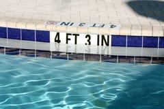 заплывание бассеина Стоковая Фотография