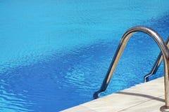 заплывание бассеина Стоковое Изображение
