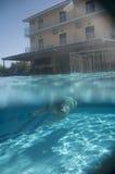Заплывание девушки Стоковые Изображения