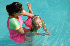 заплывание ребенка стоковое фото rf