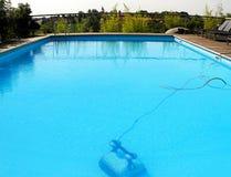 заплывание робота бассеина стоковое изображение