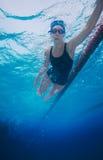 заплывание типа спортсмена crawl Стоковое Изображение
