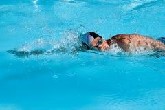 заплывание человека Стоковые Фото