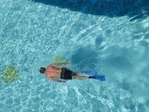 заплывание poo человека snorkeling Стоковая Фотография