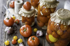Заповедники томата в опарниках Стоковое Фото