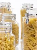заполненные pastas опарников Стоковые Фотографии RF