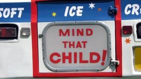 Запомните того ребенка! Знак Тележка мороженого или фургон знак Стоковое Изображение