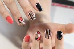 Заполированность геля дизайна ногтя молодости Стоковые Фотографии RF