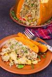 Заполненная тыква с мясом, рисом, грибами, перцем и тимианом Стоковая Фотография RF