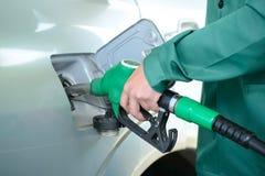 заполняя бензозаправочная колонка Стоковое Изображение