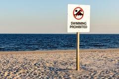 запрещенное заплывание знака Стоковое Изображение RF