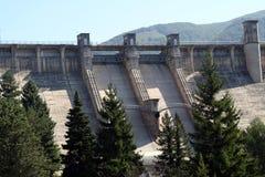 запруживает гидроэлектрическое Стоковая Фотография