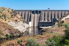 Запруда на реке Tajo, резервуаре Хосе Марии de Oriol, Alcantara, курорте Стоковая Фотография