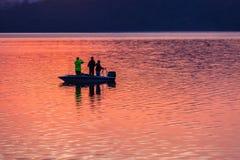 Запруда рыбацкой лодки цветов воды Стоковое фото RF