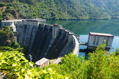 Запруда электростанции воды Стоковые Фотографии RF