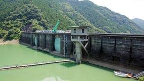 Запруда Futagawa в реке Arita в Wakayama, Японии Стоковое фото RF