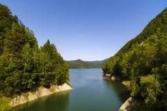 Запруда Vidraru на реке Arges Arges, Румыния Гидро электричество Стоковое фото RF