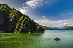 Запруда Vidraru на реке Arges Arges, Румыния Гидро электричество Стоковые Фото