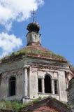 Запущенный православной церков церковью в провинции области Tver Стоковые Фото