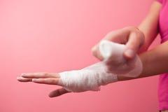 запястье руки повязки Стоковые Изображения