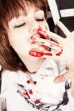 запятнанный кровью детеныши женщины стороны Стоковая Фотография