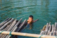 Заплывание мальчика Стоковое фото RF