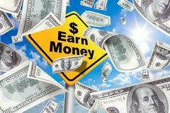 заработайте заработайте деньги подписать предупреждающий желтый цвет стоковые изображения