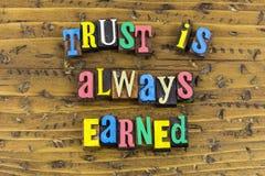 Заработанная доверием поддержка честности стоковые изображения rf