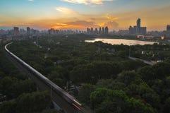 Зарево захода солнца лета в Китае стоковое фото rf