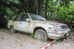 заржаветая старая автомобиля Стоковая Фотография