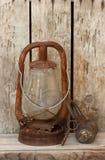 Заржаветые фонарик керосина & замок & ключ пирата Стоковое Изображение
