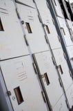 Заржаветые шкафчики старой школы металла Стоковые Изображения